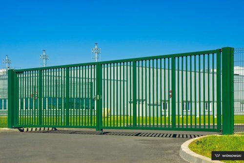 Zabezpieczona przed korozją brama dwuskrzydłowa Bastion firmy Wiśniowski