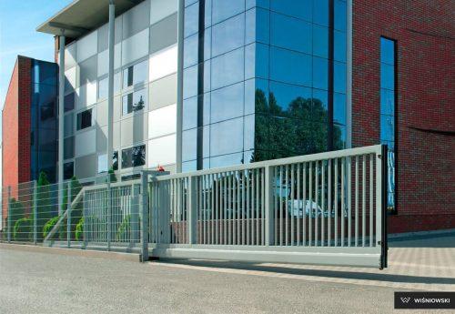 Zabezpieczona przed korozją brama przesuwna Wiśniowski PI 130