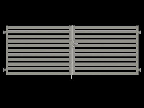 prosta brama dwuskrzydłowa z palisadą przytwierdzana do muru