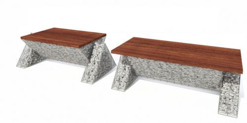 ciemne drewno na kamiennej ławie